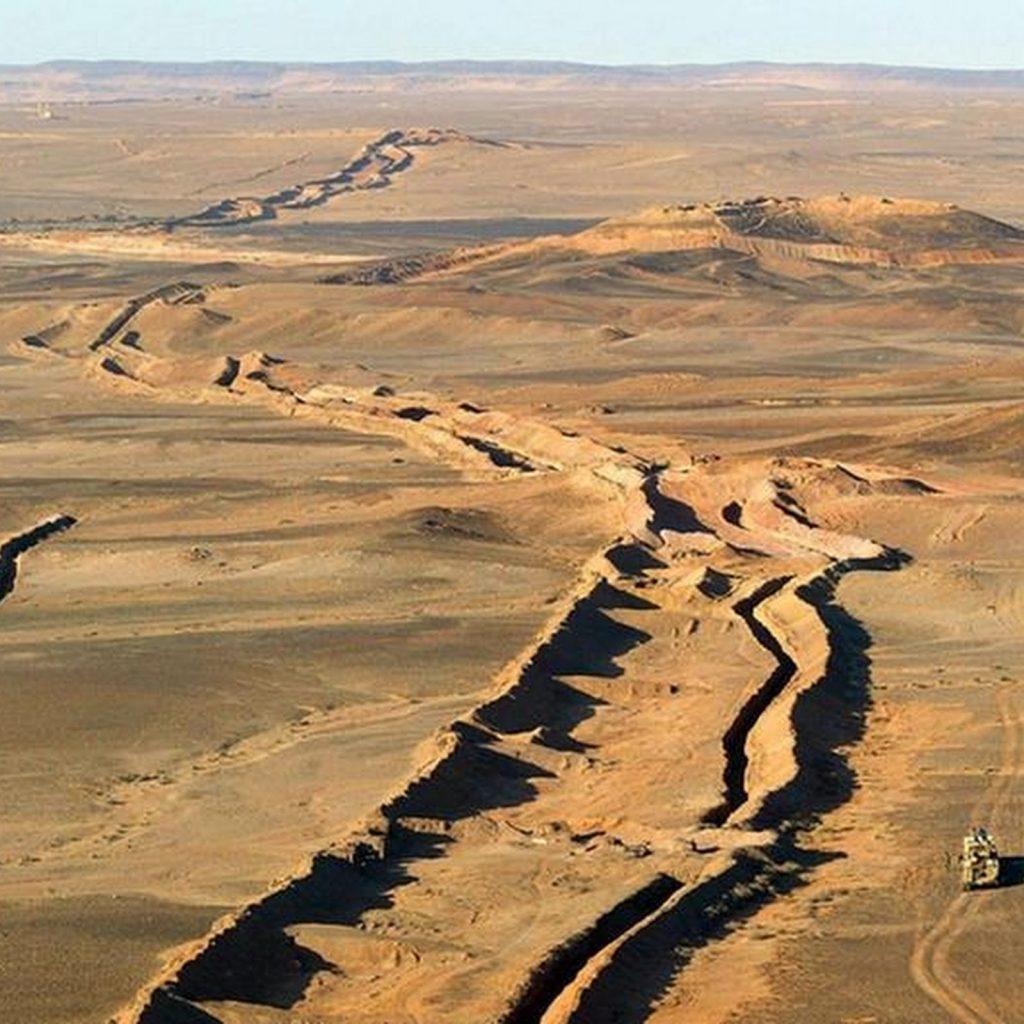 Стена в Западной Сахаре